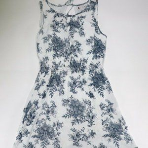 Chelsea and Violet Women's Blue Floral
